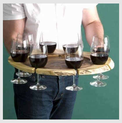 Tray that carries multiple wine glasses at the same time